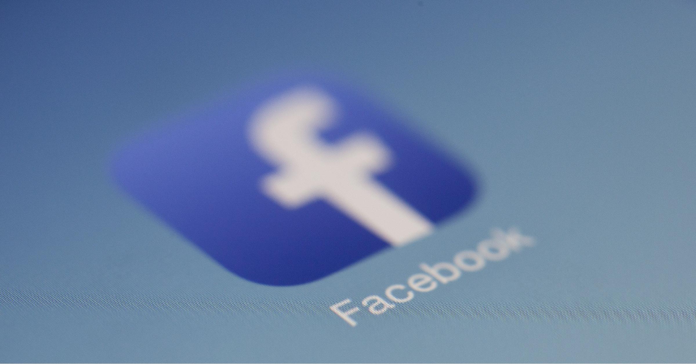 Facebook Advertising-Featured